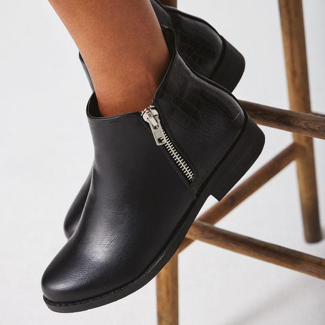 Shoe & Boots